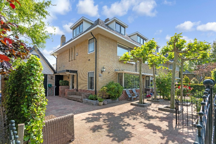 Image of house for rent at Sperwerstraat in Badhoevedorp